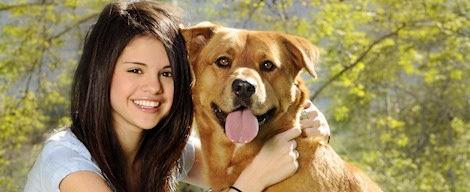 Selena Gomez con un perro
