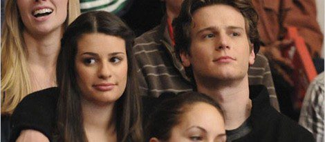 Jonathan Groff y Lea Michelle son amigos y rivales en Glee Foto:FOX
