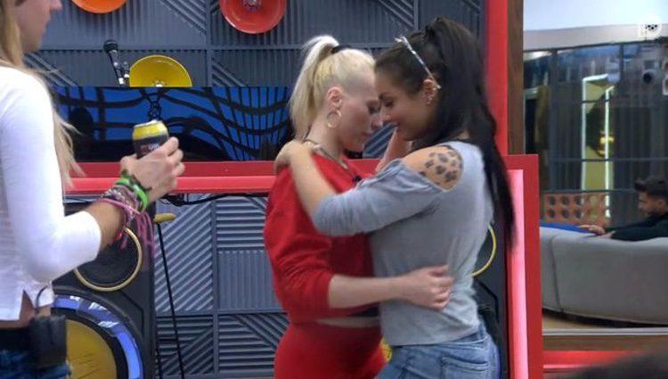 Daniela y Elettra bailando / Telecinco.es