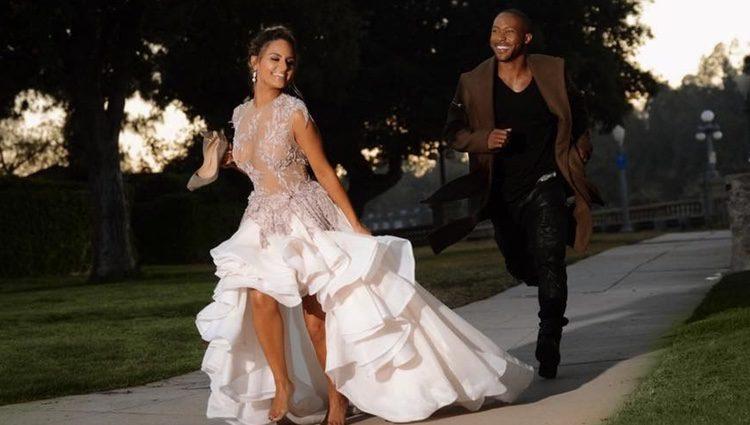 La cantante Pia Toscano disfrutando de su día de boda