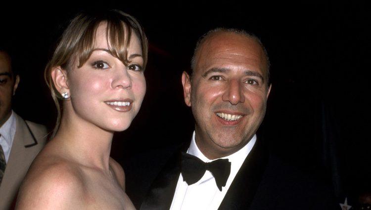 Mariah Carey junto a Tommy Mottola en 1998