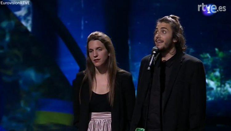Salvador Sobral con su hermana tras proclamarse ganador / Foto: rtve.es