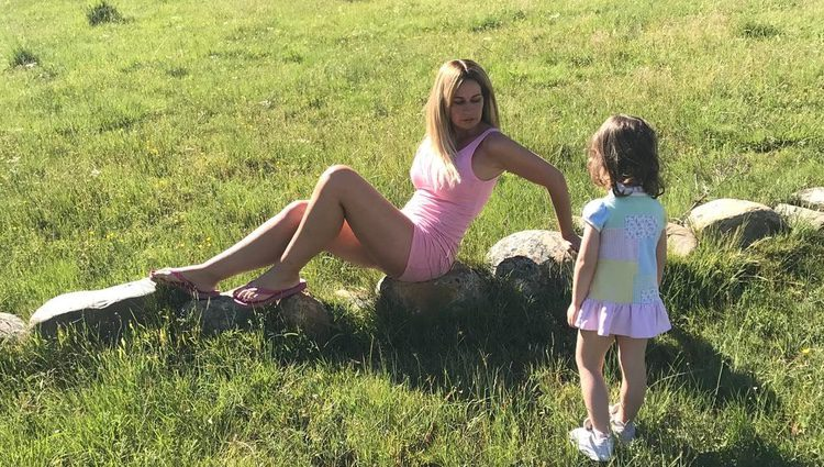 Olvido Hormigos junto a su hija Valeria / Fuente: Instagram