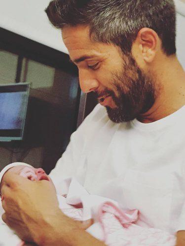 Roberto Leal con su hija Lola / Instagram