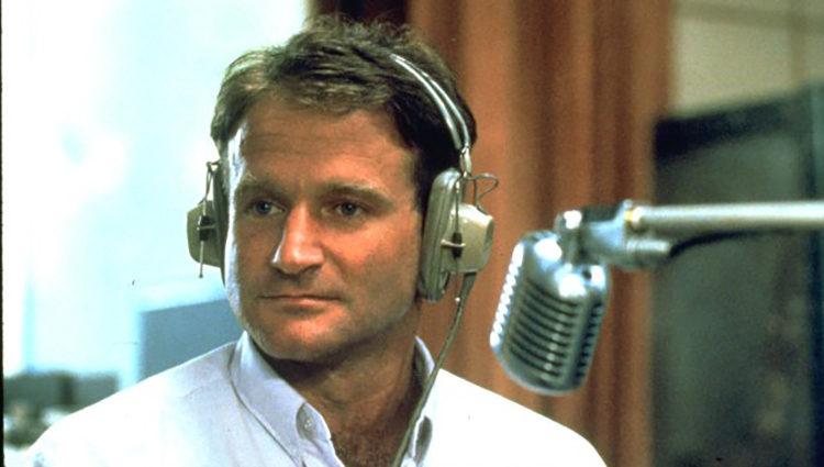 Robin Williams como Adrian Cronauer en 'Good Morning, Vietnam'
