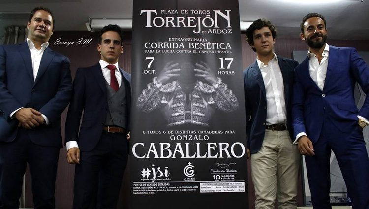 Gonzalo Caballero con Froilán en la presentación del acto benéfico