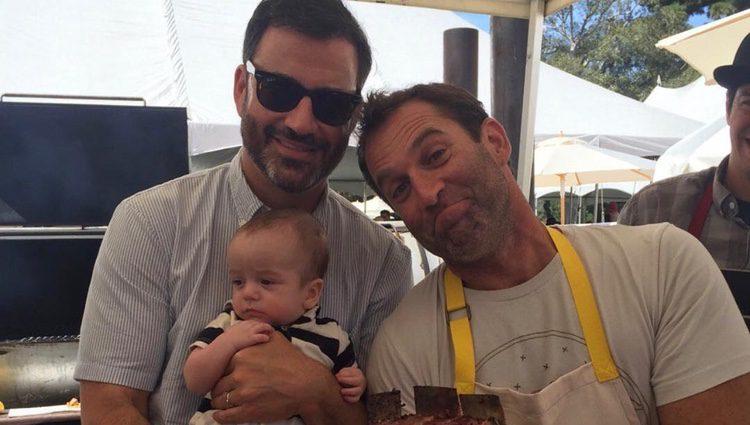 Kimmel y su hijo Billy con el chef Adam Perry/fuente @jimmykimmel