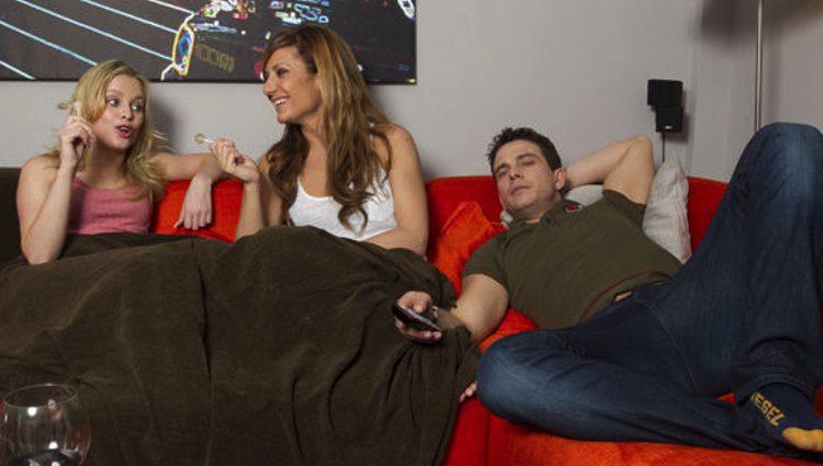 Tatiana,</p><p> Nagore y Arturo enseñan su piso a los medios