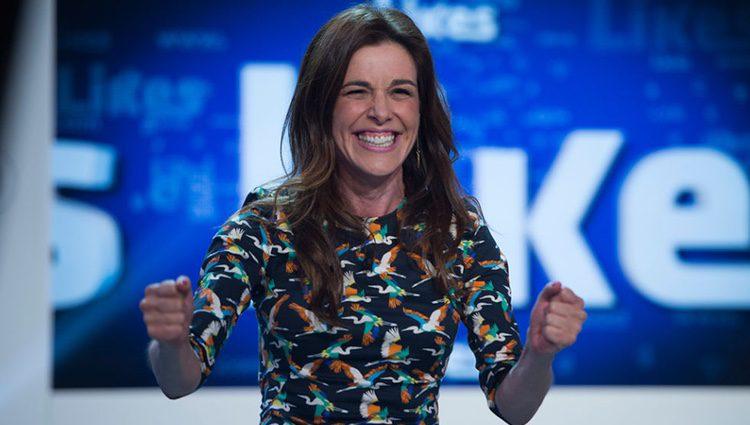 Raquel Sánchez Silva más que sonriente en 'Likes'