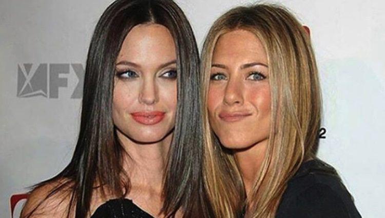 Angelina</p><p> Jolie y Jennifer Aniston posan juntas años antes de su eterna enemistad