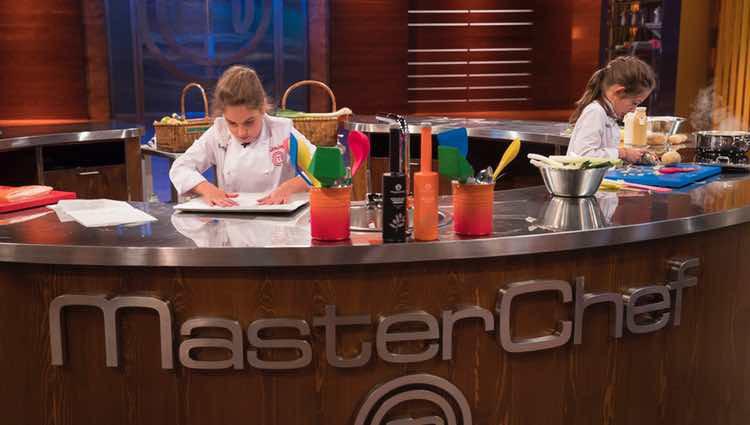 María y Esther cocinando en la gran final / RTVE