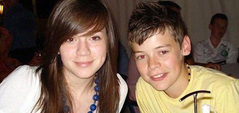 Harry Styles de pequeño con su hermana