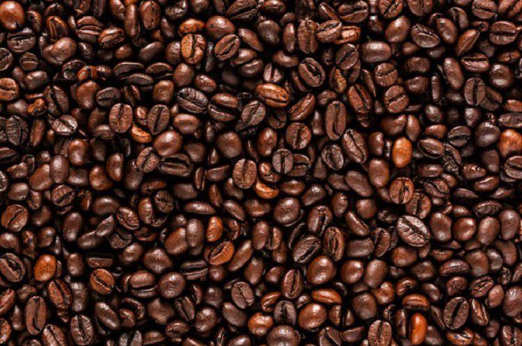 En unos 10 o 15 minutos tendremos listo nuestro suculento café con mantequilla