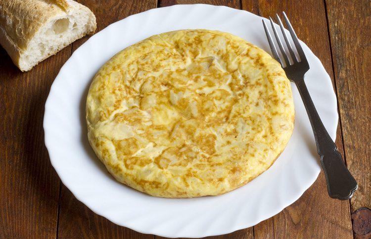 Aprender a hacer una buena tortilla es algo a lo que aspiran todos los cocinillas