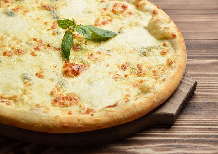 Los cuatro quesos utilizados en esta receta tradicional tienen la certificación de Denominación de origen protegida