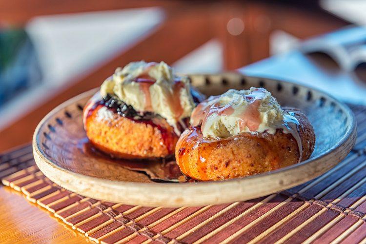 Los pastelitos rellenos o papanasi, son unas delicias del este europeo