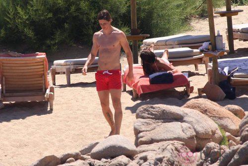 Gay Desnudo Caminando Solo Por La Playa - Porno