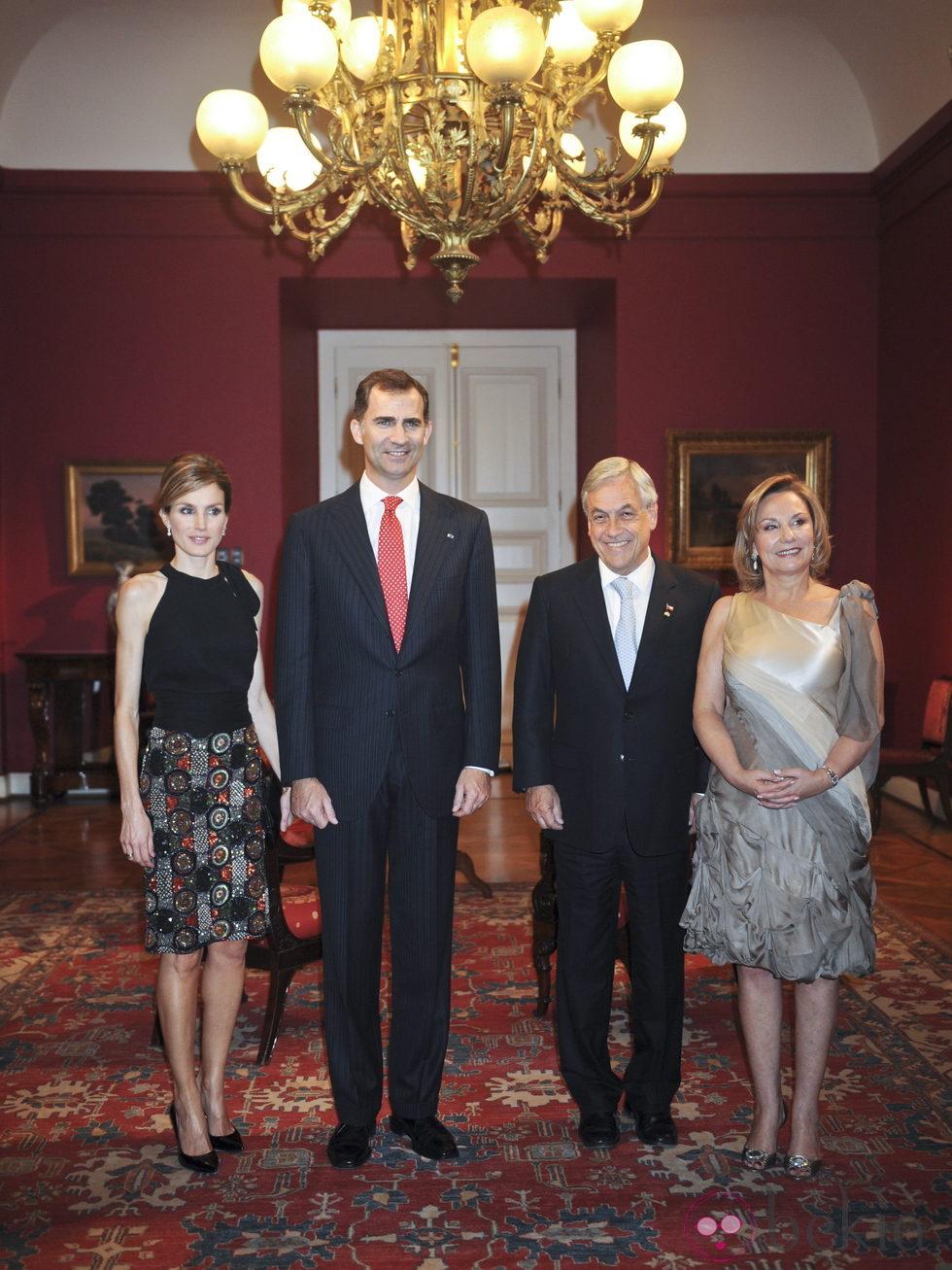 de Asturias, el Presidente de Chile y la Primera Dama en el Palacio de