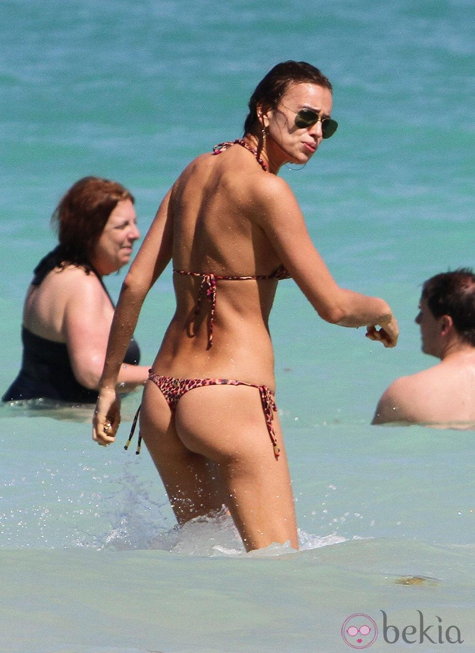 Irina Shayk Presume De Cuerpazo En Las Playas Miami