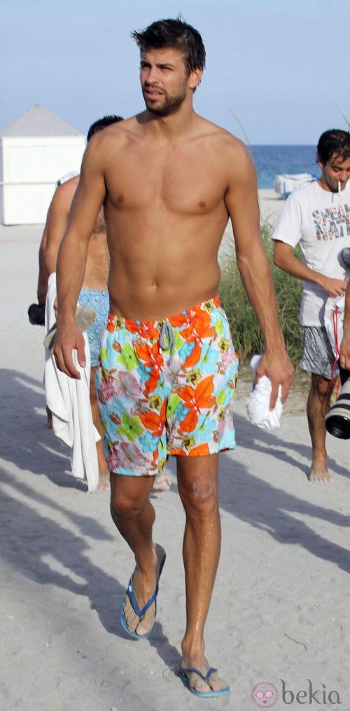 En Miami Torsos Desnudos Los Famosos Se Lucen La Playa Bekia Picture