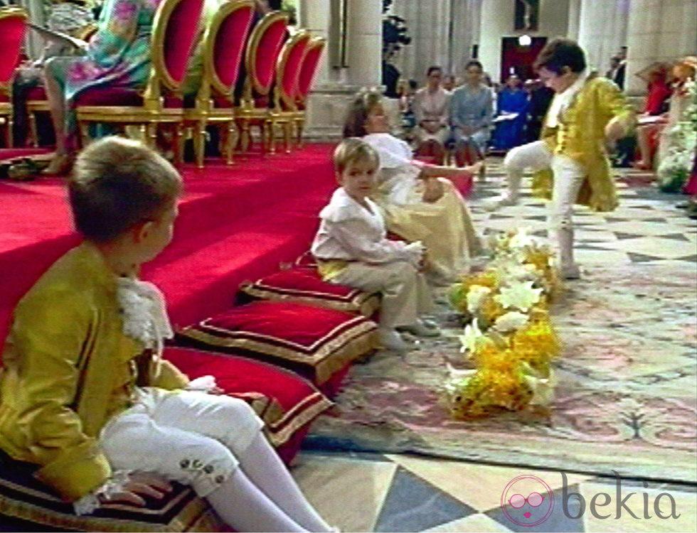 Froilán da una patada a Victoria López de Quesada en la boda de los Príncipes de Asturias