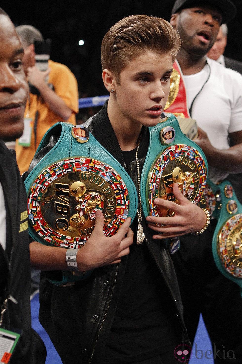 Justin Bieber en la pelea de boxeo de el Grand Garden Arena de Las Vegas