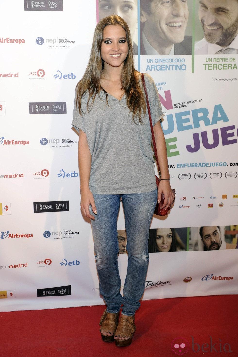 Ana fern ndez en el estreno de la pel cula 39 en fuera de for En fuera de juego online
