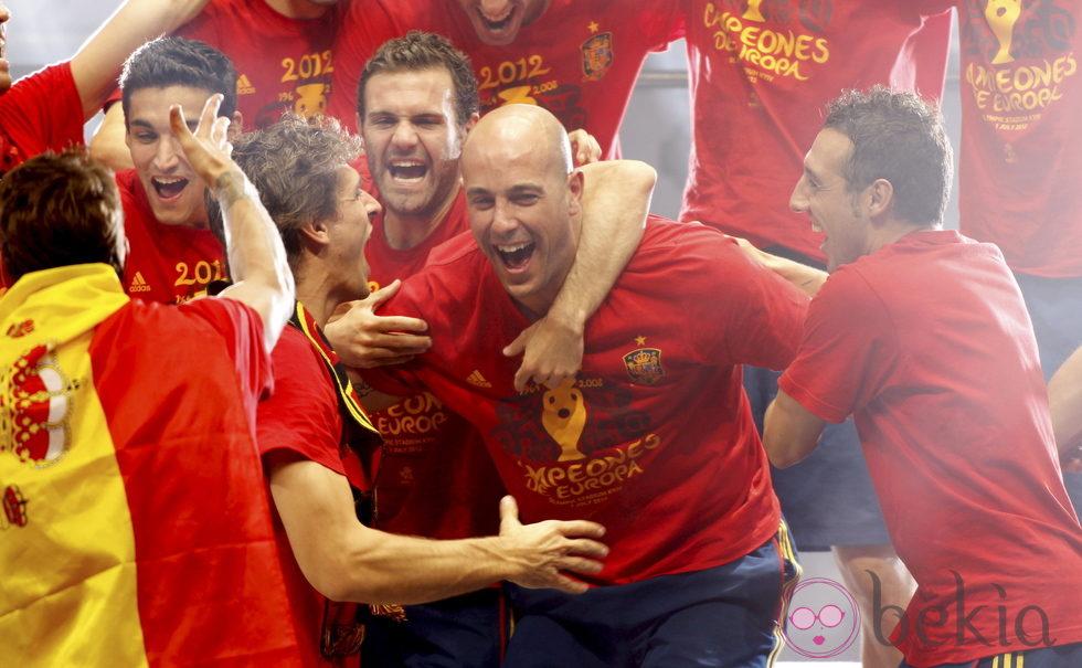 Eurocopa 2012  24339_navas-llorente-mata-reina-cazorla-celebran-madrid-eurocopa-2012