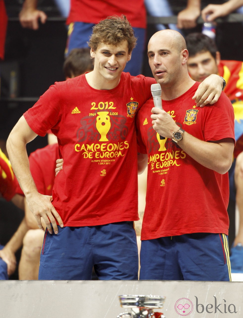 Eurocopa 2012  24353_llorente-pepe-reina-celebracion-eurocopa-2012-cibeles