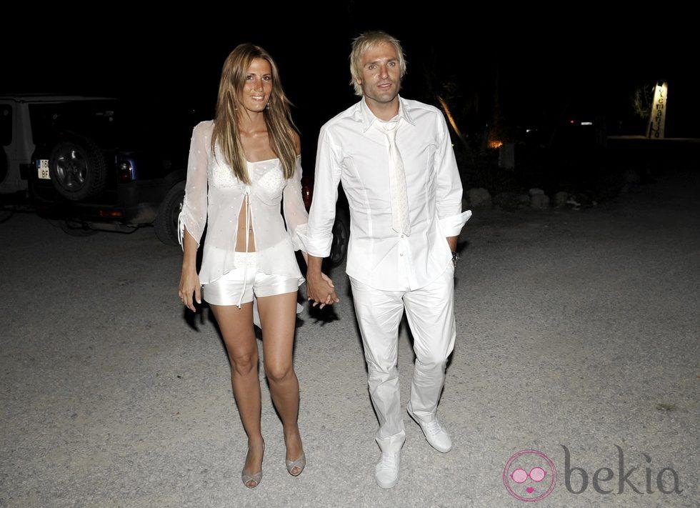 http://www.bekia.es/images/galeria/25000/25501_santiago-canizares-mayte-garcia-despedida-solteros.jpg
