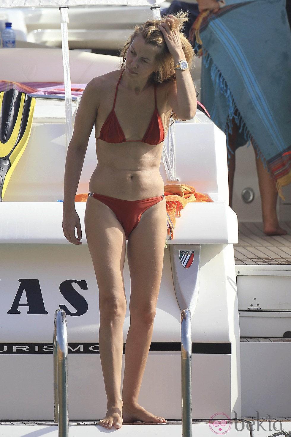 Sofía Mazagatos presume de cuerpo en bikini en Ibiza