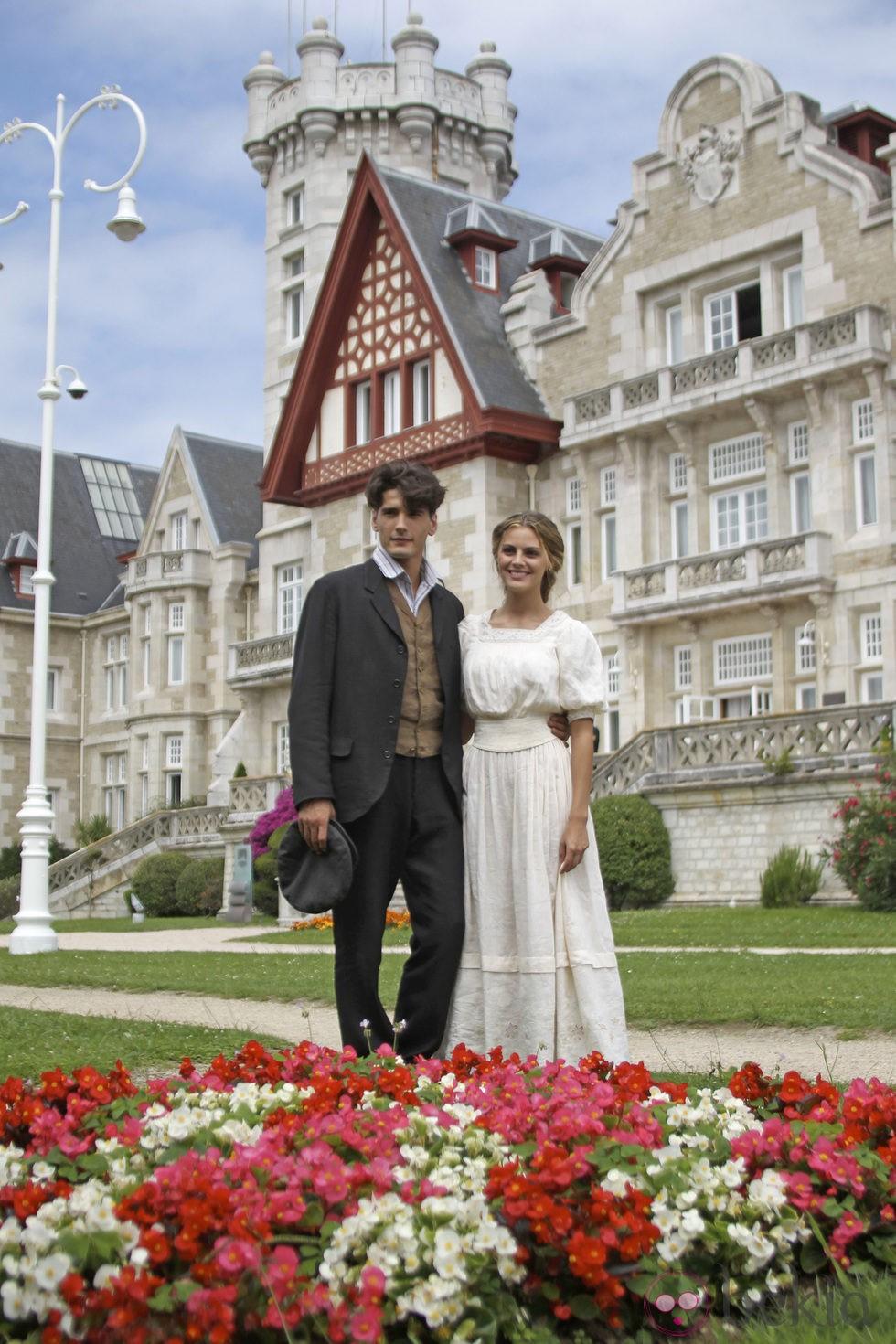 """Viešbutis """"Gran Hotel""""/Gran Hotel - Page 3 3120_yon-gonzalez-y-amaia-salamanca-presentan-gran-hotel-en-santander"""