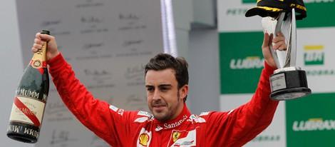 Fernando Alonso celebra su segunda plaza en el GP de Brasil 2012