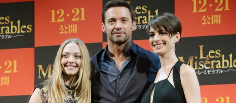 Amanda Seyfreid, Hugh Jackman y Anne Hathaway presenantan 'Los miserables' en Tokio