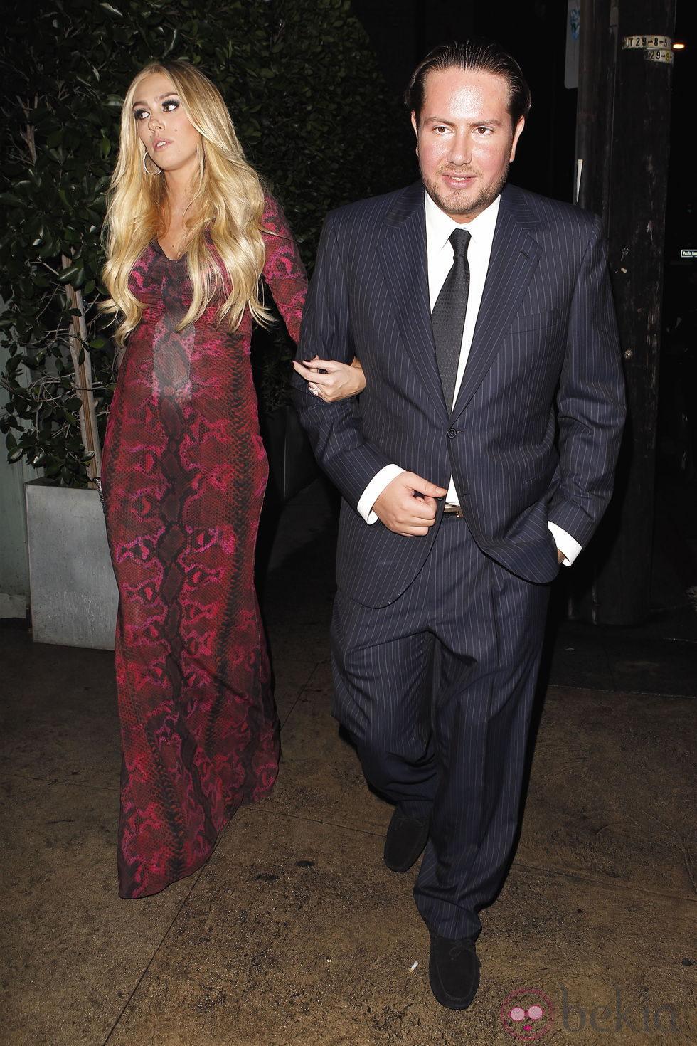 Petra Ecclestone celebra su 24 cumpleaños con su marido James Stunt