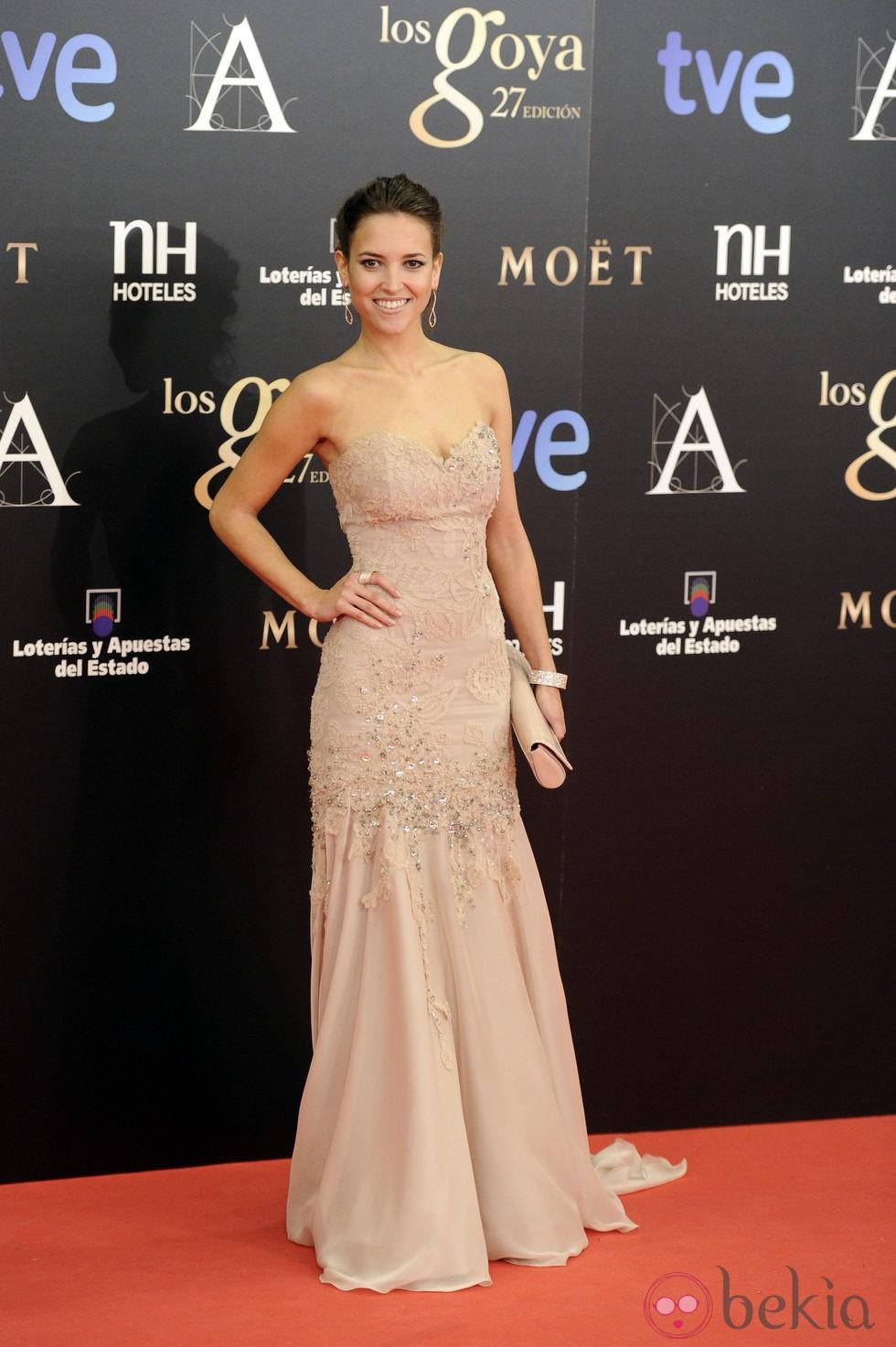 Ana fern ndez en la alfombra roja de los premios goya 2013 - Alfombras los fernandez ...