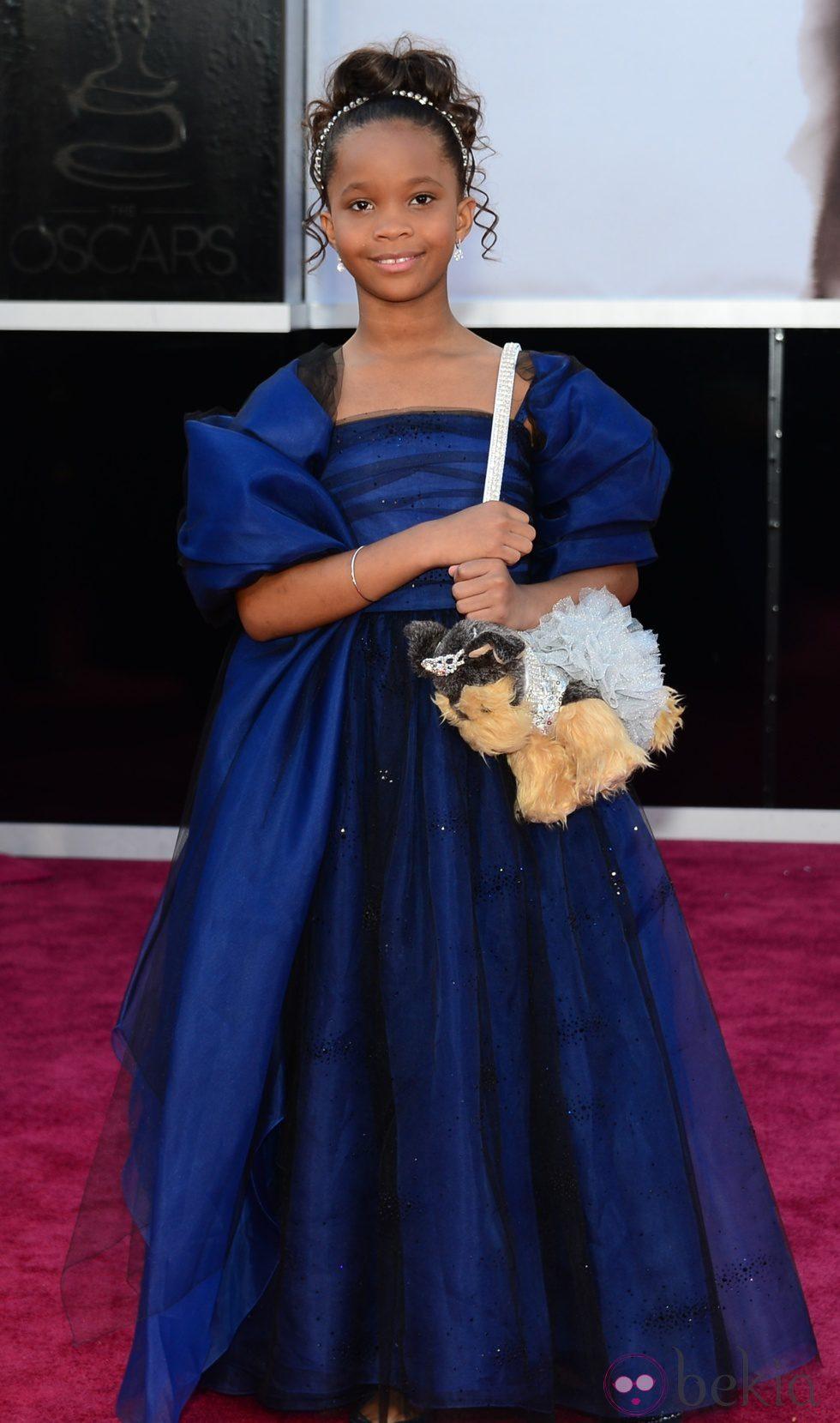Quvenzhané Wallis en la alfombra roja de los Oscar 2013