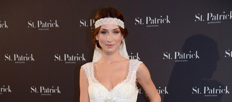 Raquel Jiménez posando vestida de novia para St. Patrick