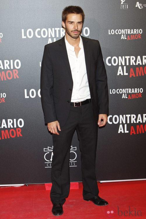 Álex Barahona en el estreno de 'Lo contrario al amor' en Madrid