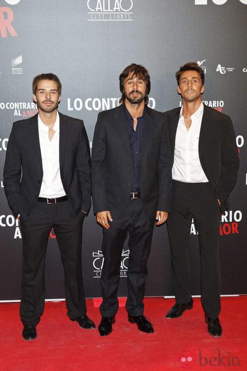 Álex Barahona, Hugo Silva y Rubén Sanz en el estreno de 'Lo contrario al amor'