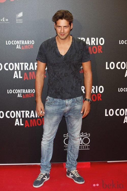 Juan García en el estreno de 'Lo contrario al amor' en Madrid