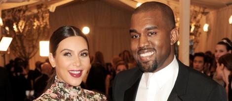 Kim Kardashian y Kanye West en la Gala del MET 2013