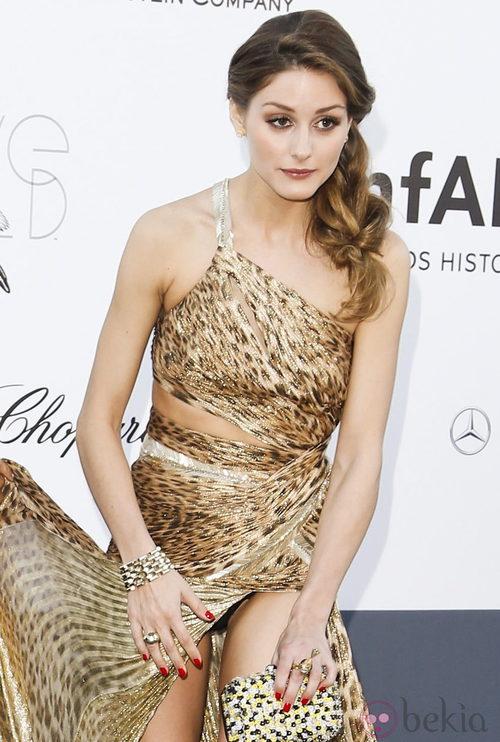 deja al descubiero su ropa interior en la gala amfAR de Cannes 2013