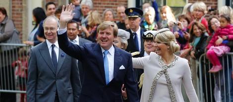 Guillermo Alejandro y Máxima de Holanda durante su visita a Groningen