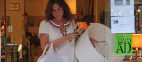 Lourdes montes compra objetos para la casa que comparte con fran rivera tras volver de luna de - La casa de la luna sevilla ...