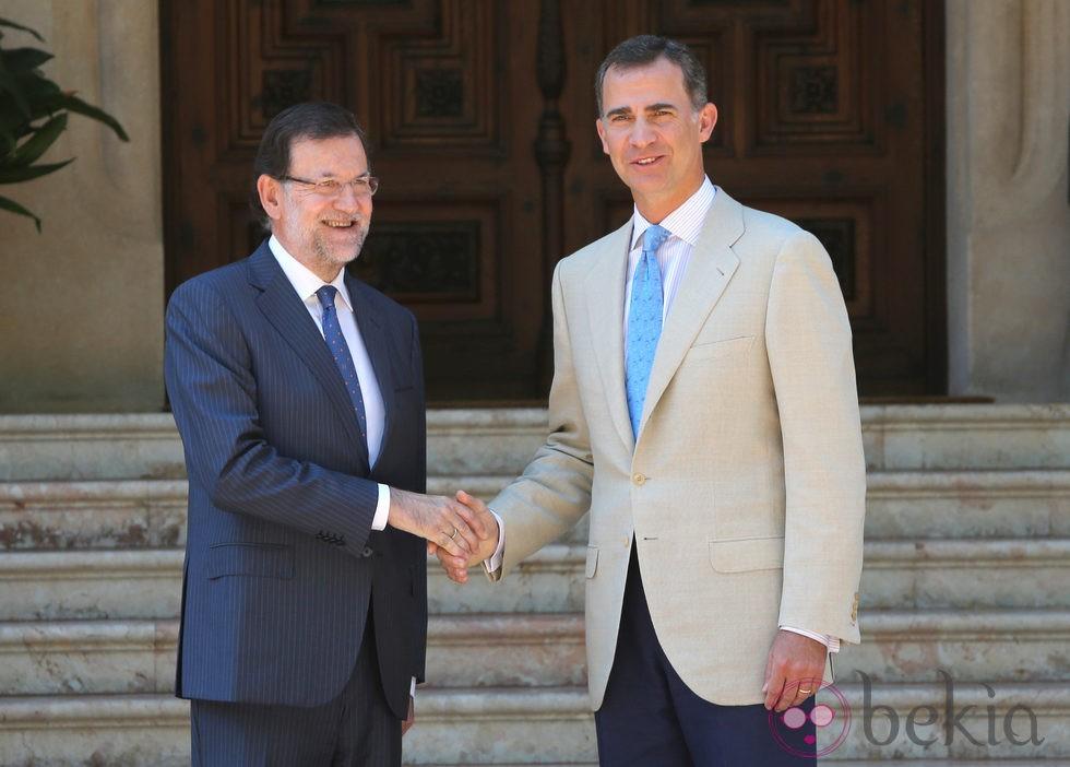 ¿Cuánto mide Mariano Rajoy? - Altura - Real height 61895_mariano-rajoy-rey-felipe-vi-llegada-primer-despacho-marivent