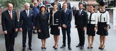 79057_familia-real-sueca-apertura-parlamento-2015_m.jpg
