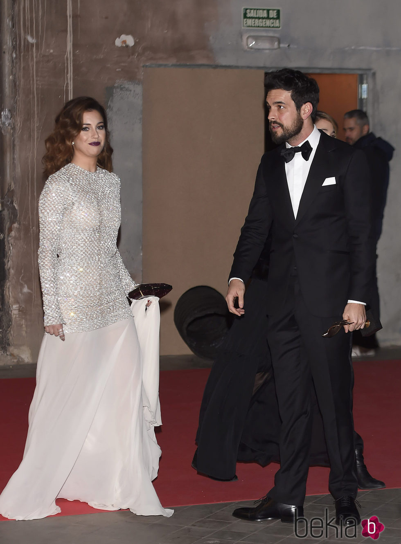 ... Mario Casas en la alfombra roja de los Premios Feroz 2016: Fotos en