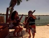 Diego Torres y Débora Bello anuncian que van a ser padres con una canción