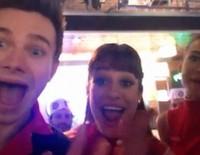 Chris Colfer, Lea Michele y Naya Rivera felicitan a su compañera de 'Glee' Amber Riley